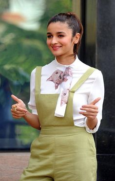 Best Collection Images of Alia Bhatt, childhood images of alia bhatt in kuch kuch hota hai, nude images of alia bhatt, sexy images of alia bhatt, hot images Indian Bollywood Actress, Indian Actresses, Actors & Actresses, Kapoor And Sons, Alia Bhatt Photoshoot, Aalia Bhatt, Finding A Girlfriend, Alia Bhatt Cute, I Like Him