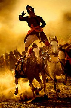 Holla Mohalla ~ Horsemanship considered apart of the Sikh Martial Arts called Gatka ~ The attire of this individual reflects the Sikh Warrior Attire from Ancient Times Baba Deep Singh Ji, Punjabi Culture, Guru Gobind Singh, Amazing India, History Of India, World Religions, Indian Festivals, Horse Riding, Martial Arts