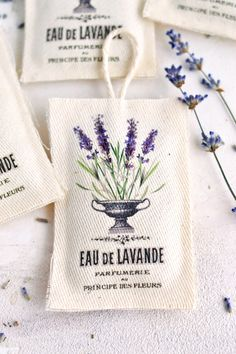 Make some gorgeous DIY No Sew Lavender Sachets, using a Free Vintage Lavender Printable! This Craft Tutorial is by Diana from Dreams Factory for The Graphics Fairy. Such a fun Easy Handmade Gift Idea! Lavender Crafts, Dried Lavender Flowers, Lavender Sachets, French Lavender, Diy Lavender Bags, Fabric Crafts, Sewing Crafts, Sewing Projects, Sewing Diy