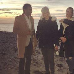 Pin for Later: Elles Ont Fait Quoi les Célébrités Pendant le Weekend de Thanksgiving?  Aziz Ansari, Amy Schumer, et Jennifer Lawrence ont passé la journée à la plage.