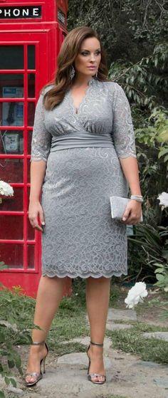 Plus Size Lace Party Dress - Plus Size Cocktail Dress #plussize {affiliate link}
