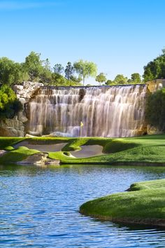 The Wynn Golf and Country Club is the only course on the Strip. #Jetsetter Wynn Las Vegas (Las Vegas, Nevada)