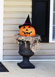 51 Spooky DIY Halloween Front Porch Decorating Ideas This Fall