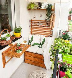 Small Balcony Design, Small Balcony Garden, Small Balcony Decor, Small Terrace, Small Balcony Furniture, Balcony Bar, Apartment Balcony Decorating, Bright Homes, Decoration Table