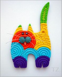 made with coiled fimo? Love this kitty! Polymer Clay Cat, Polymer Clay Animals, Polymer Clay Projects, Polymer Clay Creations, Polymer Clay Beads, Biscuit, Clay Cats, Paper Toy, Little Presents