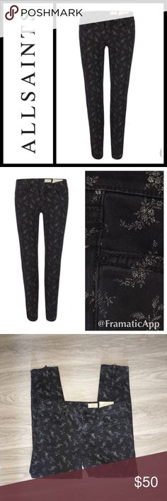 "All Saints Spitalfields The Rose Ditsy Brodie Jean Perfect condition, low rise, extreme skinny fit, cropped jean. This style is made using European super stretch denim, dyed black, w/an ecru print inspired by vintage ditsy floral designs applied on top. With a shorter inseam which twists to the back leg w/zip detail at hem & feature a laundered leather patch w/AllSaints matt black metalwork. 97% Cotton 3% Elastane. In excellent condition - size 29 - inseam 24"" waists 14.5"" All Saints Jeans…"