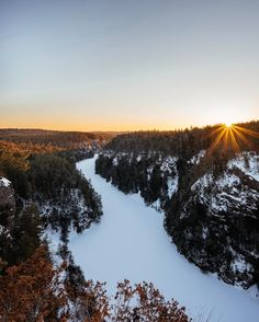 Good Morning Ontario – 11 Beautiful Places to Watch the Sunrise Ontario Travel, Hudson Bay, Great Lakes, Capital City, Good Morning, North America, Sunrise, Beautiful Places, Canada