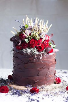 Single tier chocolate wedding cake by The Natural Cake Company