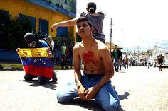 """""""La patria en llanto y sangre"""" por Gioconda San Blas http://shar.es/1Wda51 #Venezuela #SOSVenezuela #KluiverthRoa"""