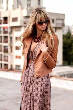 giacca in pelle marrone consulente di immagine