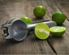 #GewusstWie: Zitronen und Limonen geben mehr Saft, wenn man sie vor dem Pressen kurz in der Mikrowelle erwärmt.