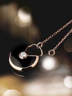 Amulette de Cartier. V