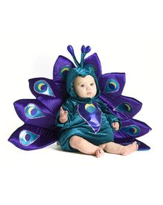 I don't even have a child but this peacock costume is hilariously adorable.