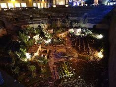 Presepe nell'anfiteatro di Lecce.  Scopri cosa fare a Natale nel Salento su http://www.nelsalento.com/blog/il-natale-nel-salento-cosa-vedere/