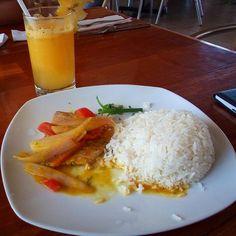 Despidiéndonos de #Ica con un delicioso almuerzo marino en el restaurante Paracas #YTúQuéPlanes #Peru by guitarraviajera