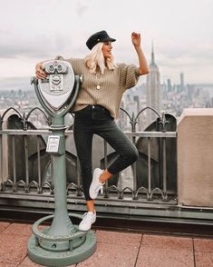 New York Fashion: Dress For Success With These Great Fashion Tips New York Pictures, New York Photos, Nyc Pics, Nyfw Style, New York Outfits, New York Travel, New York Fashion, Blond, Photography Poses