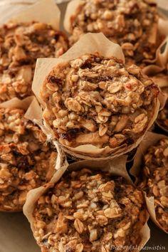 Gesund und voller Genuss: Mit Sonjas Frühstücks-Muffins kommen die guten Vorsätze nichts ins Wanken | Mein wunderbares Chaos Zuckerfreie Snacks, Baby Snacks, Healthy Snacks, Snack Recipes, Healthy Recipes, Wanken, Baked Oats, Happy Foods, Sweets Cake