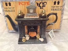 CARDEW COLLECTABLE LARGE NOVELTY TEAPOT TITAN CLASSICAL FIREPLACE MINT CONDITION Chocolate Pots, Chocolate Coffee, Teapot Design, Cookie Jars, Tablescapes, Tea Pots, Conditioner, Heaven, Clock