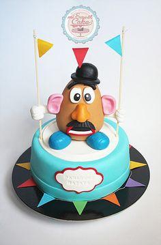 misweetcake ♥ Cake Design: Bolo Sr. Batata / Mr. Potato Head Cake https://www.facebook.com/misweetcakedesign/ https://www.instagram.com/misweetcake/