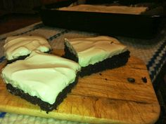 Brownies with peanuts butter cream