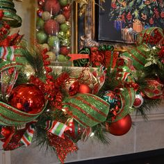 Trendy Christmas Fireplace Garland Idea