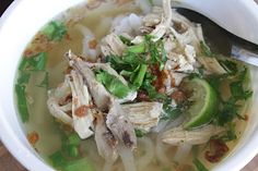 Malisa's Food Blog: Khao Piak Sien (Laotian Fresh Rice Noodle Soup)...since it has been cold...i am going to make this tomorrow!!! (>.<)