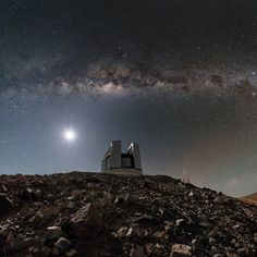 The Milky Way glistens above the Visible and Infrared Survey Telescope for Astronomy (VISTA) at the Paranal Observatory in northern Chile in this stunning night-sky view by European Southern Observatory photo ambassador Babak Tafreshi. Infrared Telescope, Hubble Pictures, Astronomical Observatory, Earth View, Whirlpool Galaxy, Space Planets, Andromeda Galaxy, Sky View, Space And Astronomy
