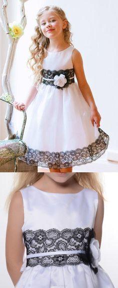 Sleeveless Flower Girl Dresses, White Sleeveless Flower Girl Dresses, Short Flower Girl Dresses, 2017 Flower Girl Dresses Long Black Lace White Bowknot Scoop Taffeta