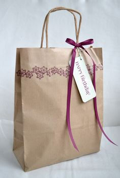 Stampin' Up ideas and supplies from Vicky at Crafting Clare's Paper Moments: Perfectly Preserved birthday Diy Paper Bag, Paper Gifts, Creative Gift Wrapping, Creative Gifts, Paper Bag Design, Wedding Bag, Wedding Favors, Party Favors, Decorated Gift Bags