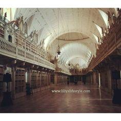 Il palazzo/convento di #Mafra #portogallo http://lillyslifestyle.com/2015/11/24/il-palazzoconvento-di-mafra-in-portogallo/ #pillolediportogallo #lillyslifestyle #biblioteca @visitportugal #portogallo