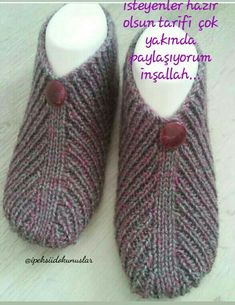 Knitting Socks Baby Knitting Knitted Slippers Huarache Bandana Projects To Try Socks Shoes Hand Knitting Knitting Stitches, Free Knitting, Knitting Socks, Baby Knitting, Knitting Patterns, Knitted Booties, Knitted Slippers, Knitted Hats, Crochet Bowl