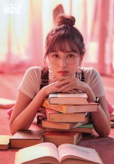 twice mina icon Kpop Girl Groups, Korean Girl Groups, Kpop Girls, Nayeon, Sana Momo, Twice Kpop, Myoui Mina, Korea Fashion, One In A Million