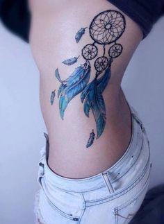 Traumfänger Tattoo blaue Federn