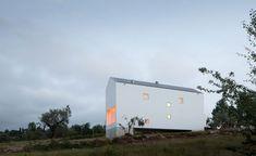 Dom Fonte Boa / Joao Mendes Ribeiro – nowoczesna STODOŁA | wnętrza & DESIGN | projekty DOMÓW | dom STODOŁA