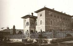 El palacio de Xifré fue uno de los edificios privados más hermosos que ha tenido la ciudad. Inexplicablemente fue derribado a principios de la década de 1950 para construir sobre su solar la Casa Sindical, actual Ministerio de Sanidad y Consumo, ejecutado por Francisco de Asís Cabrero.