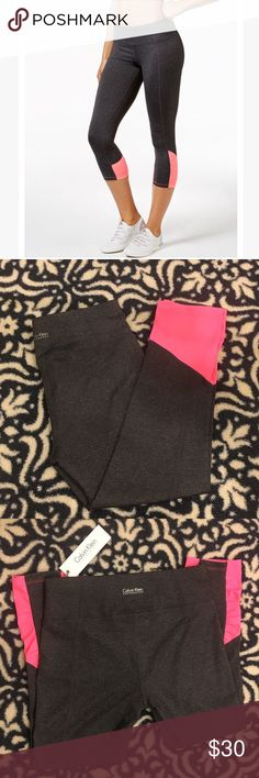 ✨NWT Calvin Klein  leggings The colorblocking at the calves gives this Calvin Klein Performance Capri leggings a splash of color and a sleek look! Great for the gym or outside the gym! Calvin Klein Pants Leggings