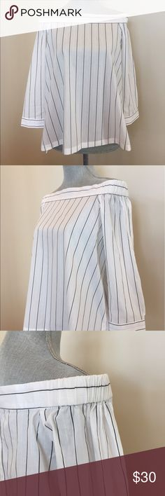 Chic 😘Ann TAYLOR Loft off the shoulder blouse Beyond cute and totally feminine off the should blouse in a delicate stripe. Gathered over sleeves. Six button back closure with one button on the cuffs. 100% cotton. Machine wash cold. Dry flat cool iron if needed. Never worn with tags. Nonsmoking closet. Weekday shipping only. Thanks for visiting my closet. Ann Taylor Loft Tops