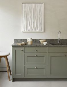 Art by Annette Hallbäck and Pauline stool by BRDR. Krüger Swedish Kitchen, Nordic Kitchen, Big Design, Design Blog, Interior Desing, Interior Inspiration, Interior Plants, Kitchen Inspiration, Green Concept