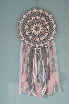 Dream Catcher Mandala, Dream Catcher Decor, Lace Dream Catchers, Crochet Dreamcatcher Pattern, Los Dreamcatchers, Crochet Wall Art, Macrame Wall Hanging Diy, Beads And Wire, Crochet Yarn