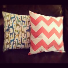 DIY tutorial - recovering pillows with envelope  style cover.acuriouslychiclife.wordpress.com