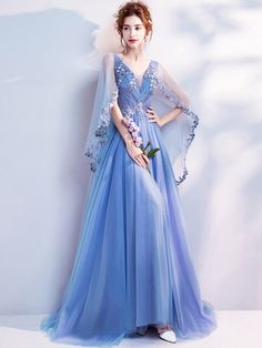 XIANGXI Blue Evening Dress 2019 A-Line Sleeveless V-Neck Lace Appliques Floor Length Evening Dresses Robe de soiree Vestidos Elegant Dresses, Pretty Dresses, Formal Dresses, Formal Prom, Affordable Prom Dresses, Glamouröse Outfits, Hiking Outfits, Prom Dresses 2017, Prom Gowns