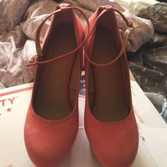 Forever21 Coral Wedges Sz10