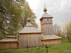 Jedlinka - Kostol Ochrany Presvätej Bohorodičky - Drevené kostoly - Slovakia.travel Style At Home, Wood Architecture, Home Fashion, Temple, Greek, Cabin, House Styles, Outdoor Decor, Home Decor
