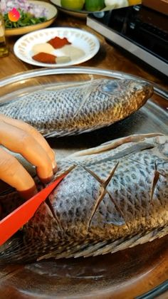 Whole Tilapia Recipes, Grilled Fish Recipes, Whole Red Snapper Recipes, Seafood Recipes, Cooking Recipes, Baked Whole Fish, Baked Fish, Fish Dishes, Tasty Dishes