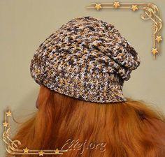 Демисезонная шапка-бини связанная крючком