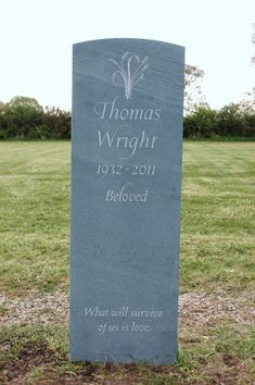 Green Slate Headstones and Memorials - 10 stunning designs Cemetery Headstones, Headstones For Graves, Cemetery Art, Setting Up A Charity, Headstone Inscriptions, Memorial Stones, Memorial Ideas, Beautiful Lettering, Stone Carving