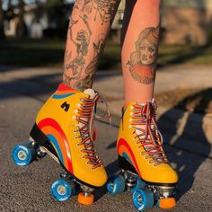 The Moxi Rainbow Rider Quad Roller Skates are designed for the beginner recreational skater looking for an outdoor Roller Skate packed with high quality comfort at an affordable price! Visit Outdoor Roller Skates, Quad Roller Skates, Rainbow Riders, Pro Stunt Scooters, Knee Scooter, Scooter Store, Skater Look, Scooter Custom, Ripped Knees