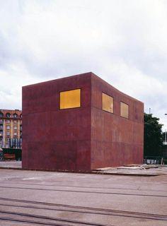 Switching Box in Zurich. Swiss Architecture, Facade Architecture, Contemporary Architecture, Amazing Architecture, Zurich, Gigon Guyer, Steel Cladding, House Entrance, Built Environment