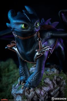 How to Train Your Dragon Toothless Statue by Sideshow Collec | Sideshow Collectibles