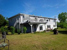 Beautiful, bright and spacious 3 bedroom waterfront home